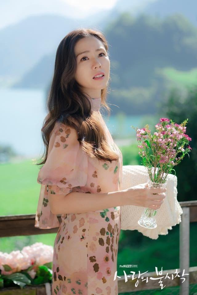 4 kiểu tóc đẹp đỉnh cao của Son Ye Jin: Đều hợp với nàng U30, ngắm thì kiểu gì cũng tìm thấy chìa khóa lên đời nhan sắc - Ảnh 12.