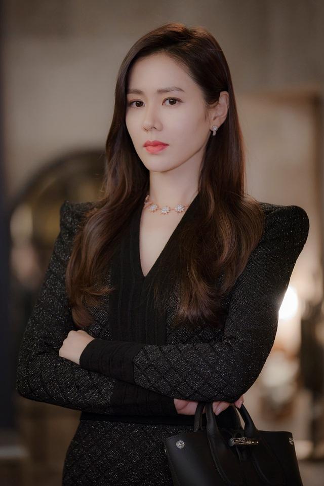 4 kiểu tóc đẹp đỉnh cao của Son Ye Jin: Đều hợp với nàng U30, ngắm thì kiểu gì cũng tìm thấy chìa khóa lên đời nhan sắc - Ảnh 15.