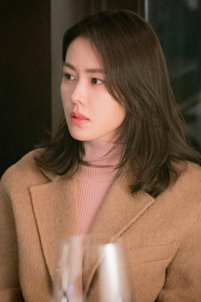 4 kiểu tóc đẹp đỉnh cao của Son Ye Jin: Đều hợp với nàng U30, ngắm thì kiểu gì cũng tìm thấy chìa khóa lên đời nhan sắc - Ảnh 4.