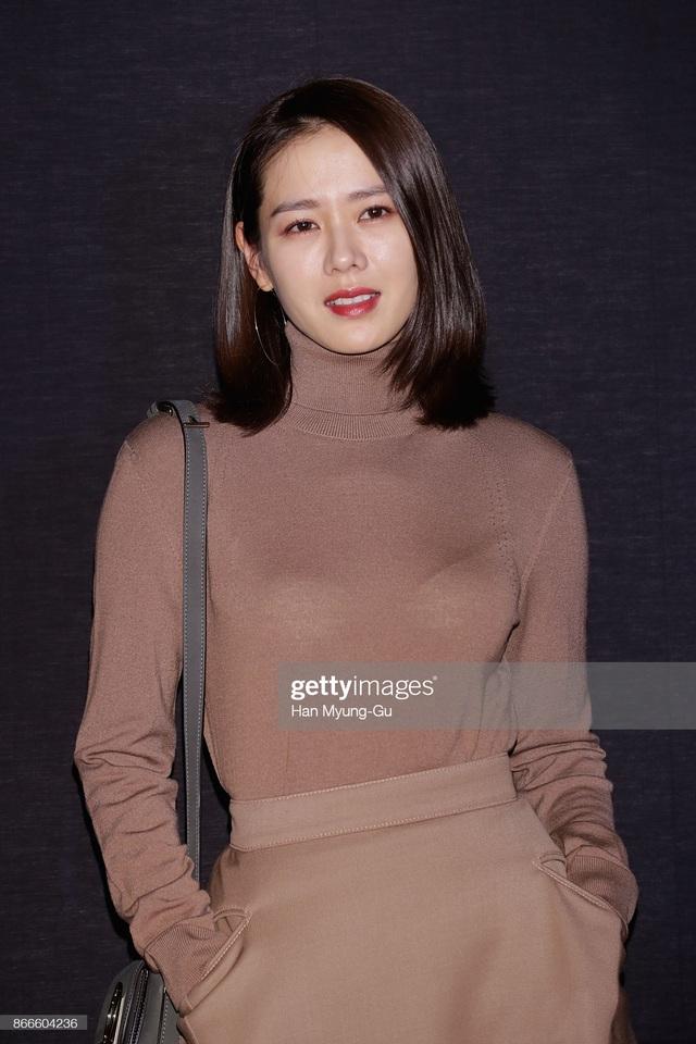 4 kiểu tóc đẹp đỉnh cao của Son Ye Jin: Đều hợp với nàng U30, ngắm thì kiểu gì cũng tìm thấy chìa khóa lên đời nhan sắc - Ảnh 6.