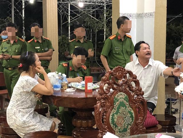 Bắt tạm giam đại gia Thiện Soi, khám xét căn biệt thự dát vàng ở Bà Rịa - Vũng Tàu  - Ảnh 1.