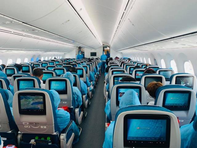 Vietnam Airlines chính thức xin lỗi việc tiếp viên vi phạm cách ly - Ảnh 2.