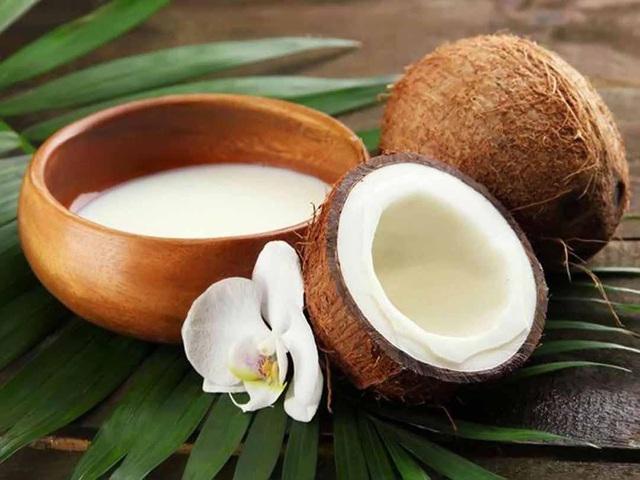Những tác dụng tuyệt vời từ nước cốt dừa tự nhiên đối với sức khỏe - Ảnh 1.