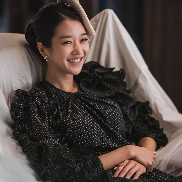 Học cách tô son đẹp mê ly đi chơi Giáng sinh từ 5 nhan sắc visual xứ Hàn - Ảnh 8.