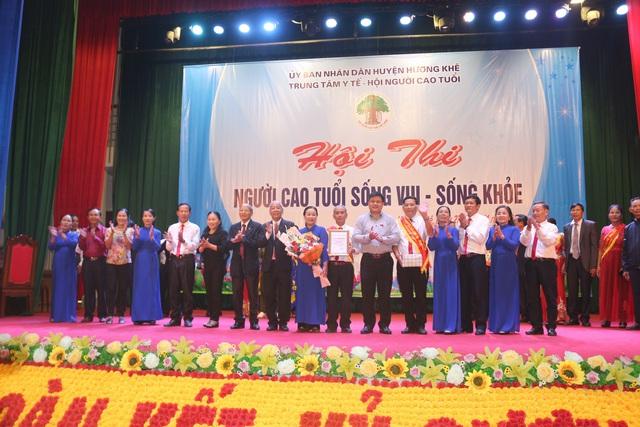Hương Khê, Hà Tĩnh: Hội thi Người cao tuổi sống vui - sống khỏe năm 2020 - Ảnh 4.