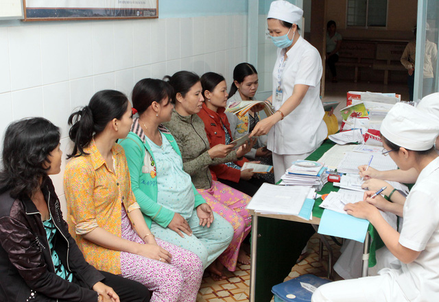 Phấn đấu 100% phụ nữ trong độ tuổi sinh đẻ được tiếp cận thuận tiện với các biện pháp tránh thai hiện đại - Ảnh 2.
