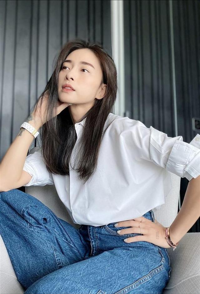 Ở tuổi 41, Ngô Thanh Vân đã lão hóa ngược còn diện đồ siêu trẻ và sành điệu, - Ảnh 1.