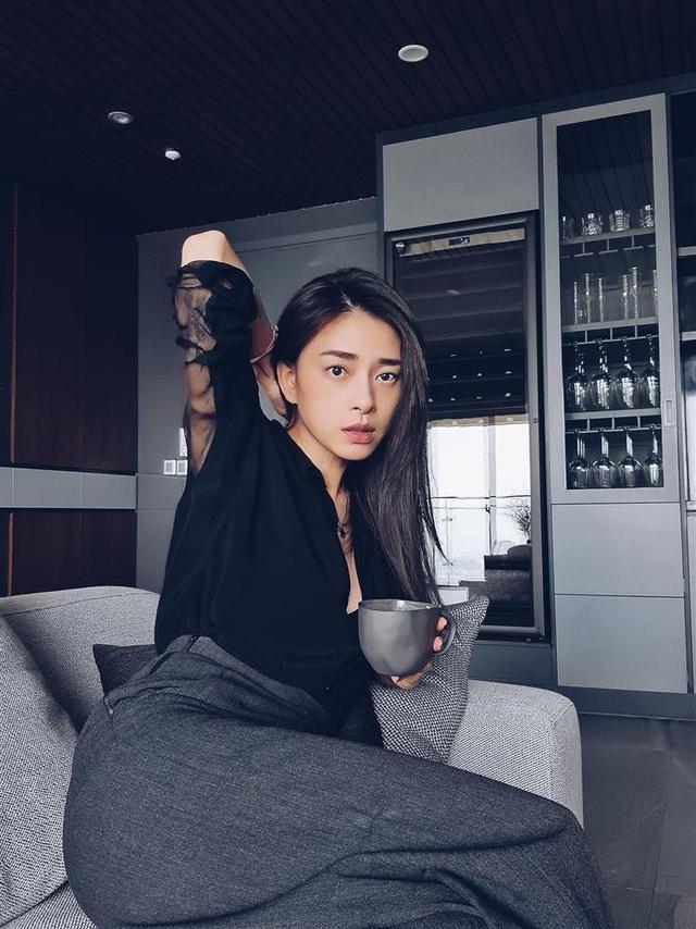 Ở tuổi 41, Ngô Thanh Vân đã lão hóa ngược còn diện đồ siêu trẻ và sành điệu, - Ảnh 4.