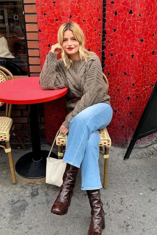 Áo len mà diện cùng 4 kiểu quần này thì hoàn hảo, ai cũng phải khen sao bạn mặc đẹp thế - Ảnh 1.