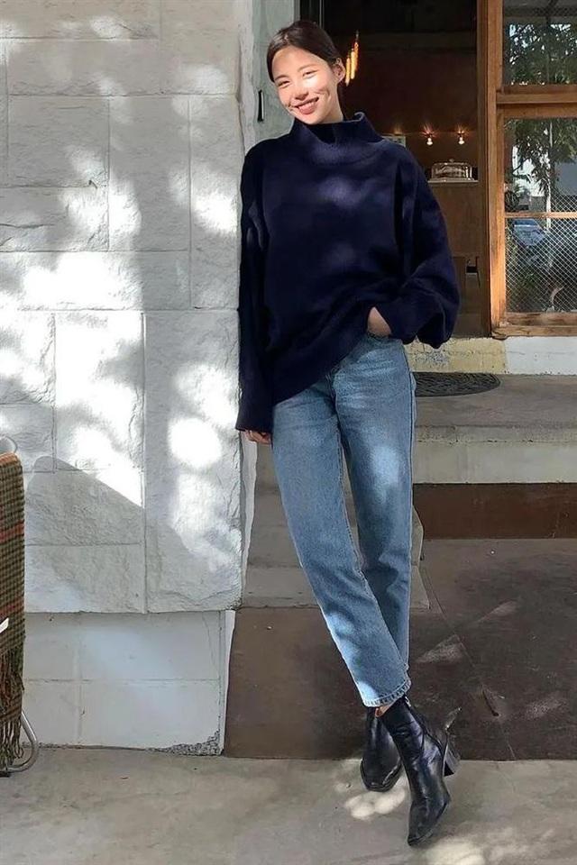 Áo len mà diện cùng 4 kiểu quần này thì hoàn hảo, ai cũng phải khen sao bạn mặc đẹp thế - Ảnh 2.