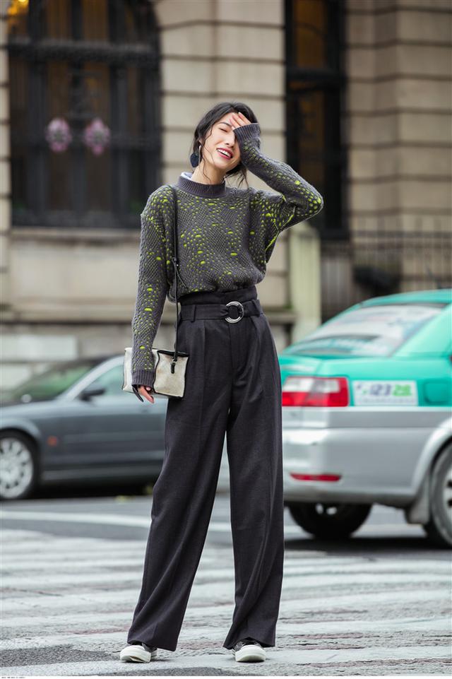 Áo len mà diện cùng 4 kiểu quần này thì hoàn hảo, ai cũng phải khen sao bạn mặc đẹp thế - Ảnh 8.