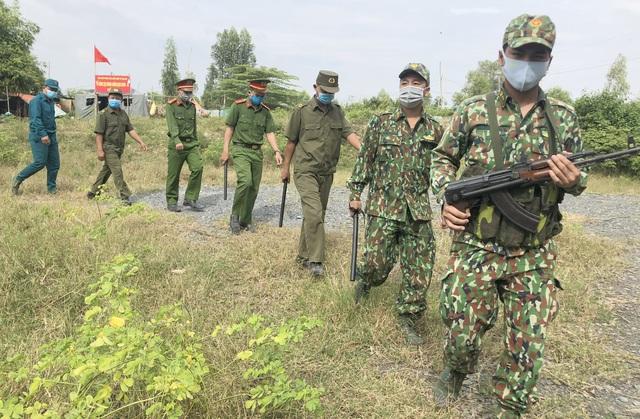 Lo ngại dịch COVID-19 bùng phát từ tình trạng vượt biên trái phép vào Việt Nam - Ảnh 6.