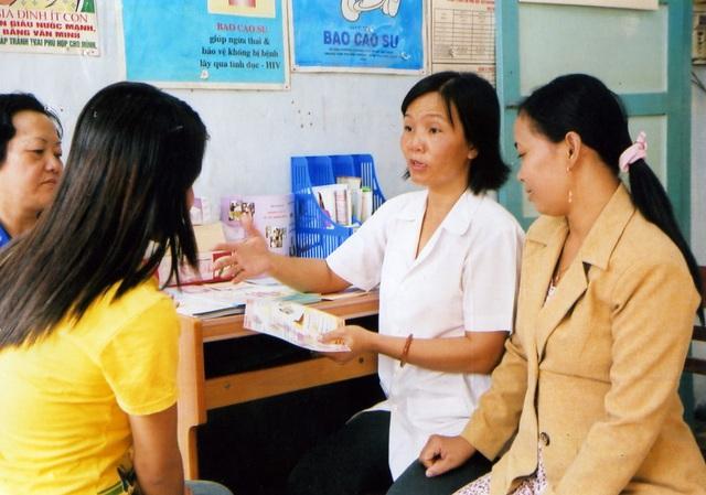 Hiểu rõ các biện pháp tránh thai hiện đại giúp phòng tránh thai an toàn - Ảnh 2.