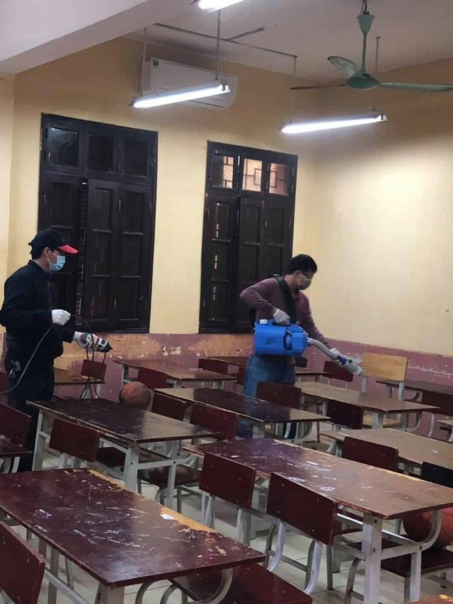 Nhiều trường ở Hà Nội chủ động phun khử khuẩn đảm bảo an toàn cho học sinh - Ảnh 7.