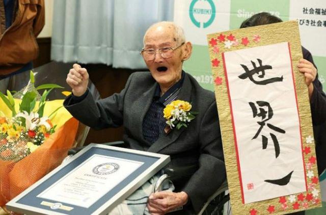 Người đàn ông thọ nhất thế giới 112 tuổi - Ảnh 1.
