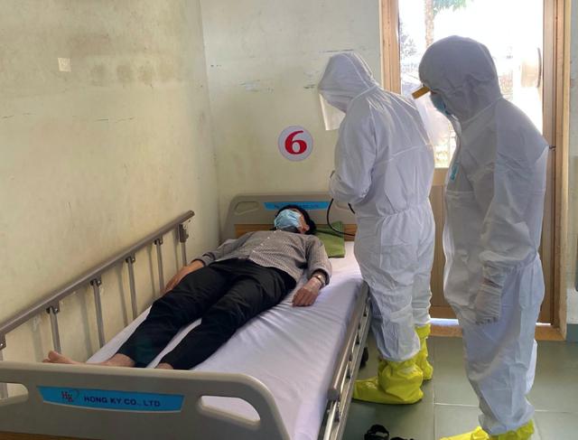 Chỉ 1 ngày, bệnh viện dã chiến ở thành phố đông dân nhất Việt Nam tiếp nhận số ca cách ly tăng gấp 3 - Ảnh 3.