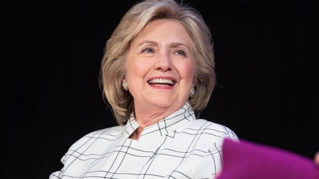 Bà Hillary Clinton sẽ làm phó tướng cho tỷ phú Bloomberg? - Ảnh 1.