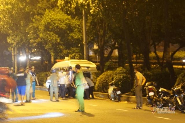 Phát hiện thi thể cháy đen dưới cầu vượt ở Sài Gòn - Ảnh 2.