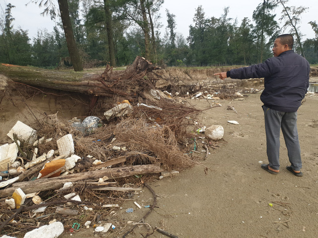 """Huyện Nghi Xuân, Hà Tĩnh: Thường trực nguy cơ biển """"nuốt"""" mất làng - Ảnh 2."""