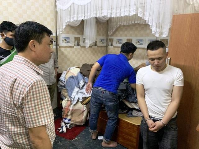 Gần 100 cảnh sát vây ráp đối tượng tàng trữ ma túy cùng hàng nóng - Ảnh 1.