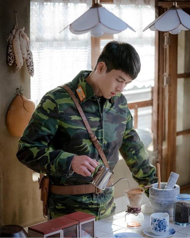 Hóa ra ngoài đời chàng sĩ quan Ri Jung Hyeok của Hạ cánh nơi anh mới là người sống trong căn hộ sang chảnh bậc nhất khu Gangnam - Ảnh 3.