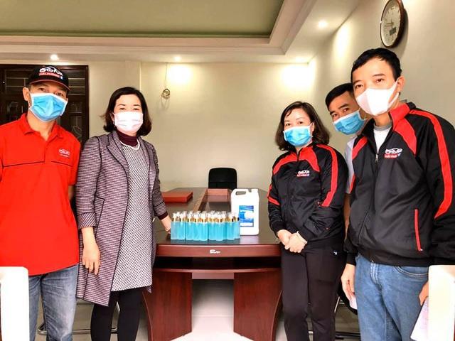 Phụ huynh Hải Phòng góp tiền mua khẩu trang, nước rửa tay giúp trường - Ảnh 3.