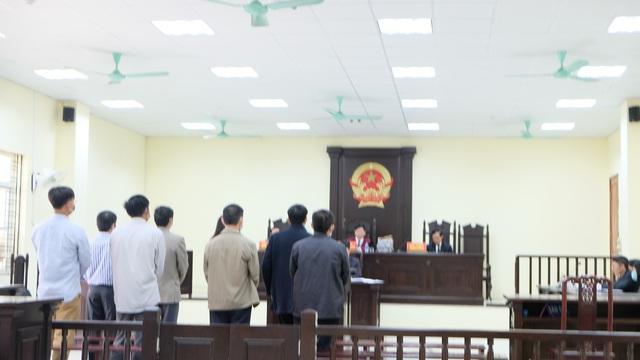 Đang xét xử 5 cán bộ thanh tra Thanh Hóa  nhận 594 triệu đồng để bỏ qua sai phạm - Ảnh 1.
