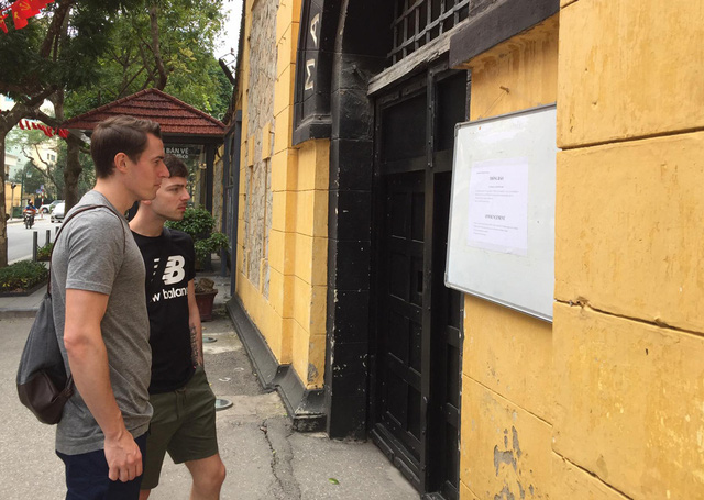 Hàng loạt di tích ở Hà Nội tạm đóng cửa, phun khử trùng để phòng dịch COVID-19 - Ảnh 3.