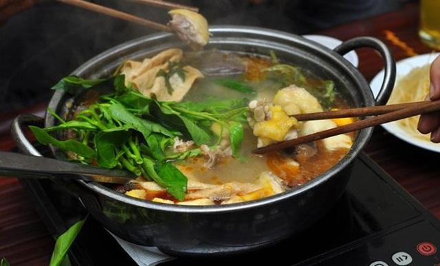 Muốn ăn món lẩu gà bổ dưỡng thị cần tránh xa những rau gia vị này - Ảnh 4.