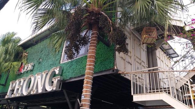 Chiêm ngưỡng ngôi nhà làm từ hai thùng container giữa thành phố Hà Tĩnh - Ảnh 1.