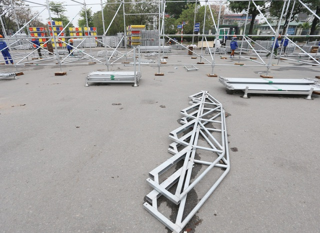 Hoãn chặng đua F1, nhiều khu vực khán đài được tạm tháo dỡ - Ảnh 9.