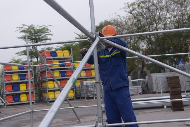 Hoãn chặng đua F1, nhiều khu vực khán đài được tạm tháo dỡ - Ảnh 10.