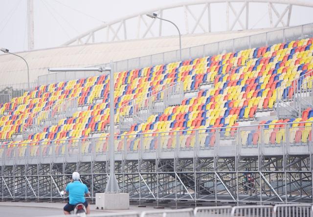 Hoãn chặng đua F1, nhiều khu vực khán đài được tạm tháo dỡ - Ảnh 12.