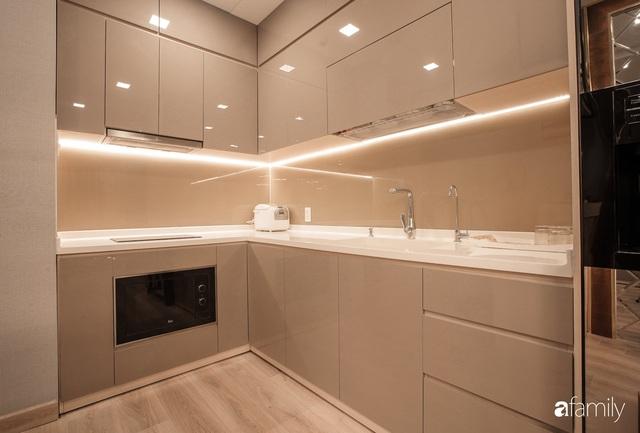 Căn hộ 65m² nhưng đem lại cảm giác rộng rãi nhờ thiết kế mở bằng vách kính ở TP. HCM - Ảnh 7.