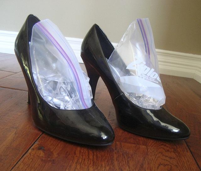 Giày hôi khiến bạn mất tự tin và khó chịu, xử lý đơn giản nhờ những thứ không ngờ có sẵn trong nhà - Ảnh 8.