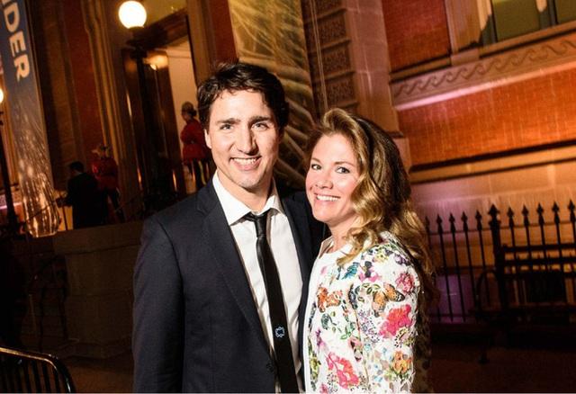 Có chồng chăm sóc 3 con sau khi nhiễm Covid-19, phu nhân Thủ tướng Canada gửi lời nhắn nhủ xúc động - Ảnh 3.