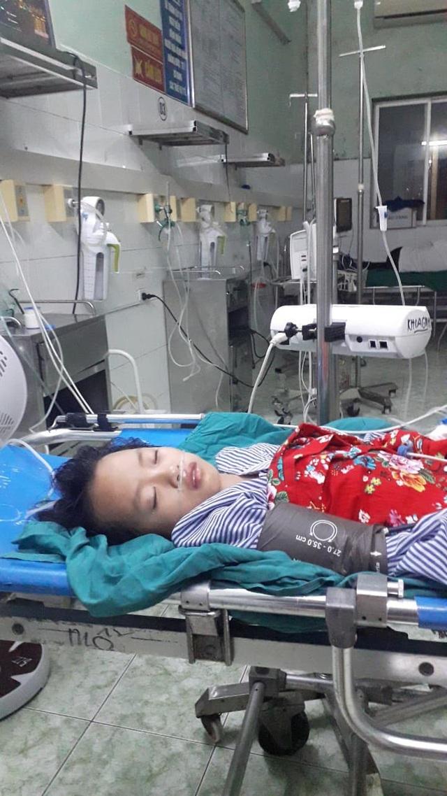 Xót xa bé 9 tuổi bị bệnh tim, bố mẹ bỏ đi sống nhờ ông bà, giờ ông lại bị ung thư - Ảnh 2.