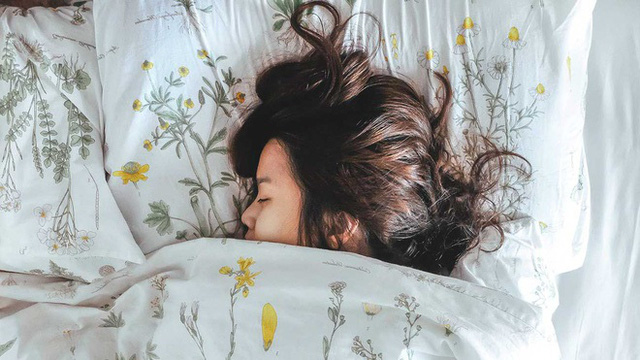 8 thói quen giúp bạn ngủ ngon để tăng sức đề kháng cho cơ thể - Ảnh 1.