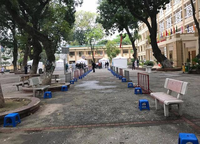 Cận cảnh 10 trạm xét nghiệm COVID-19 dã chiến tại Hà Nội vừa triển khai - Ảnh 6.