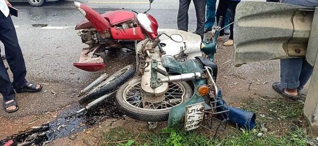 Tai nạn liên hoàn giữa xe con và 2 xe máy, 3 người phải nhập viện cấp cứu - Ảnh 2.