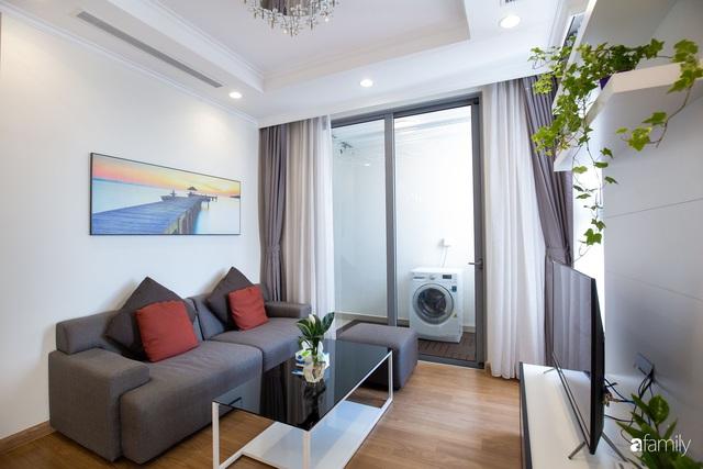 Căn hộ 64m² đầy lôi cuốn nhờ cách lựa chọn đồ đạc thông minh và view ngắm hoàng hôn ở Hà Nội - Ảnh 8.