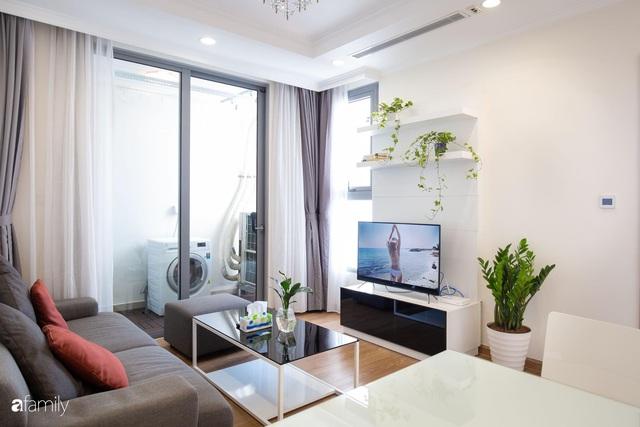 Căn hộ 64m² đầy lôi cuốn nhờ cách lựa chọn đồ đạc thông minh và view ngắm hoàng hôn ở Hà Nội - Ảnh 9.