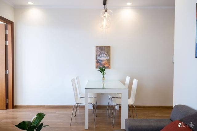 Căn hộ 64m² đầy lôi cuốn nhờ cách lựa chọn đồ đạc thông minh và view ngắm hoàng hôn ở Hà Nội - Ảnh 10.