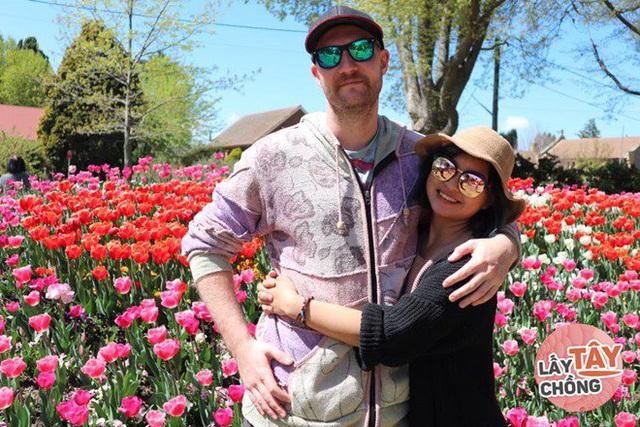 9X Việt cưới chồng Úc, bố mẹ đẻ ăn mừng, bố mẹ chồng lại khóc hết nước mắt - Ảnh 4.