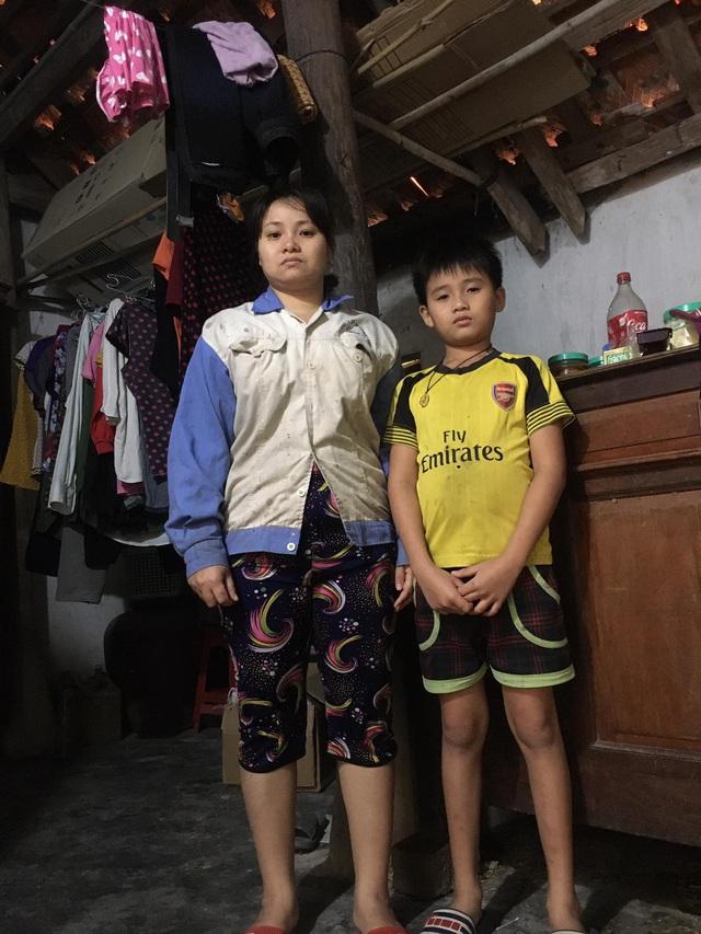 Ứa nước mắt với cảnh gia đình lần lượt đổ bệnh nặng, con nhỏ sớm mất tuổi thơ - Ảnh 2.