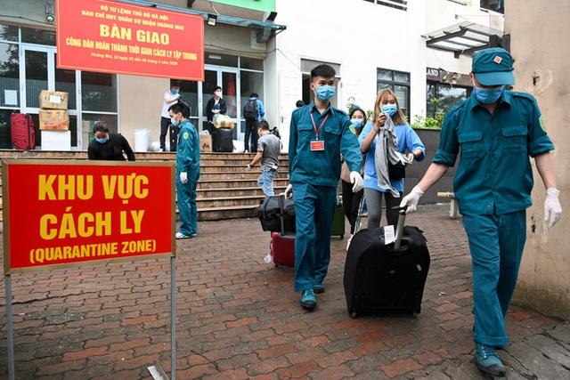 Chi tiết mức phí cách ly, xét nghiệm, điều trị với người nhập cảnh Việt Nam - Ảnh 2.