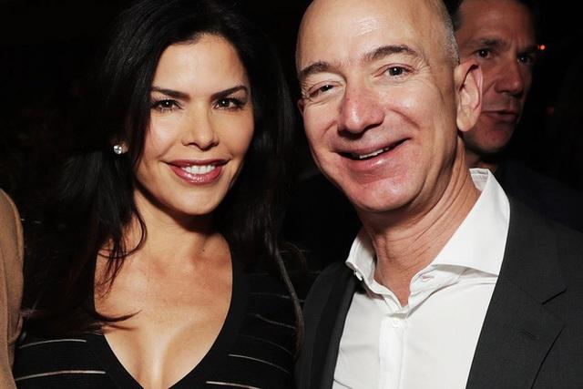 Vợ và bạn gái của 10 tỷ phú giàu nhất thế giới - Ảnh 1.