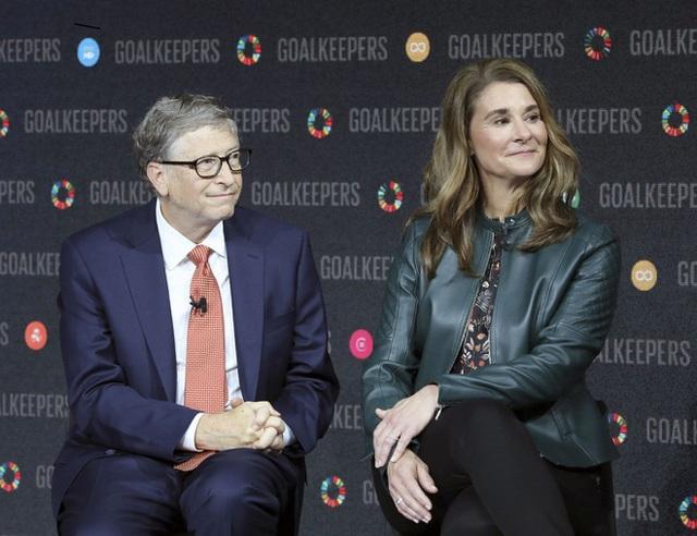 Vợ và bạn gái của 10 tỷ phú giàu nhất thế giới - Ảnh 2.