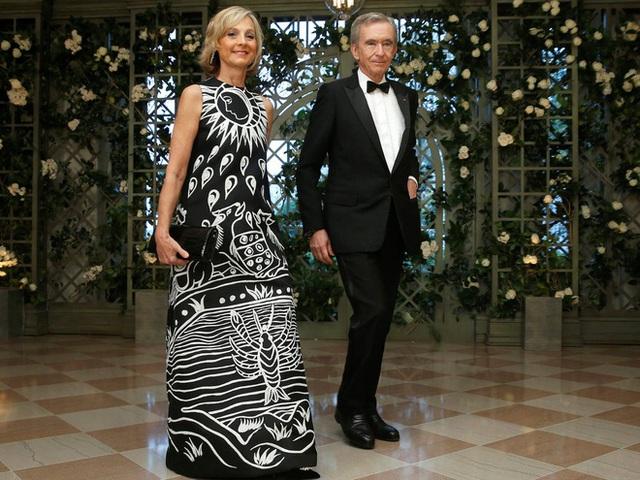 Vợ và bạn gái của 10 tỷ phú giàu nhất thế giới - Ảnh 3.
