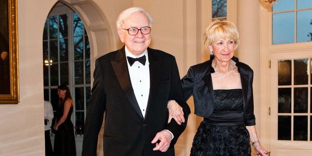 Vợ và bạn gái của 10 tỷ phú giàu nhất thế giới - Ảnh 4.